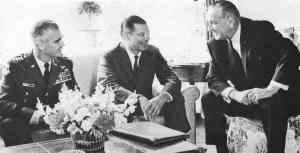 Westmoreland, McNamara y Johnson en 1967