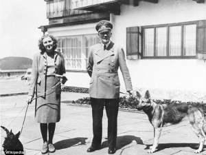 Hitler y Eva Braun en el Berghof