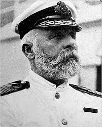 Capitan del titanic EJ Smith
