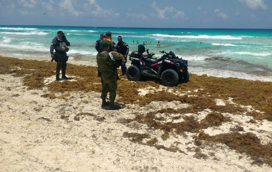 Recala droga en playa de la zona hotelera de Cancún