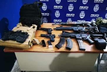 Aseguran armas, equipo táctico y salvan a una persona en Allende, no hubo detenidos