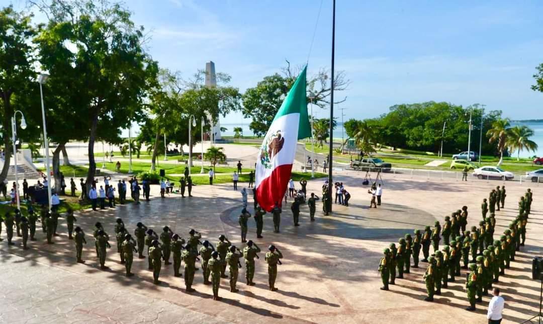 """Celebran 16 de septiembre """"diferente"""", izan bandera nacional, pero sin desfile cívico-militar en Chetumal"""