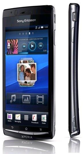 Sony Ericsson Xperia Arc S - SAR değeri: 0.66