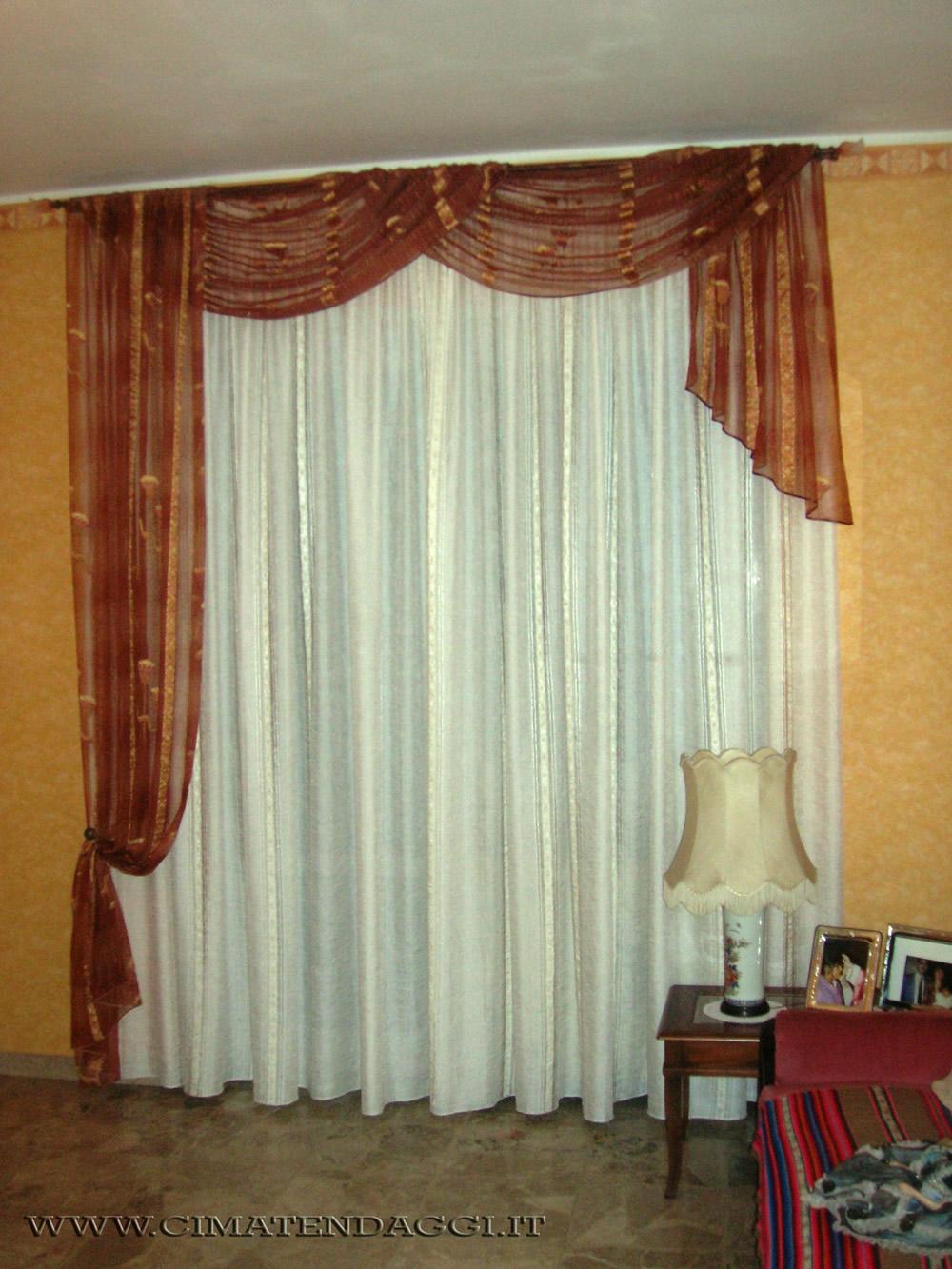 Tendine tirolesi idee per la progettazione di decorazioni per la casa for Tende tirolesi