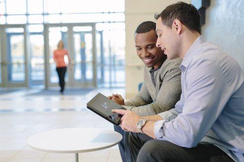 Software CRM Pivotal, movilidad y smartphone para ventas industria de maquinaria, proyectos contract, química y farmacia