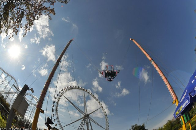 luna_park_china---slingshot