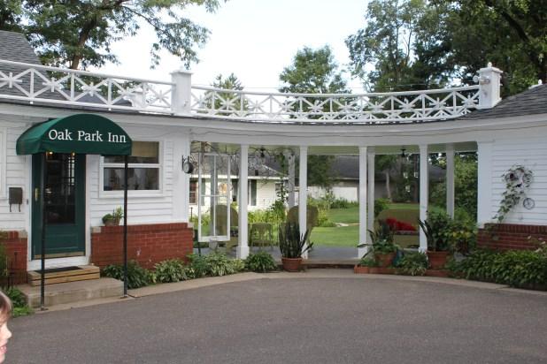 Oak Park Inn