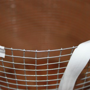 Top rim of wire basket