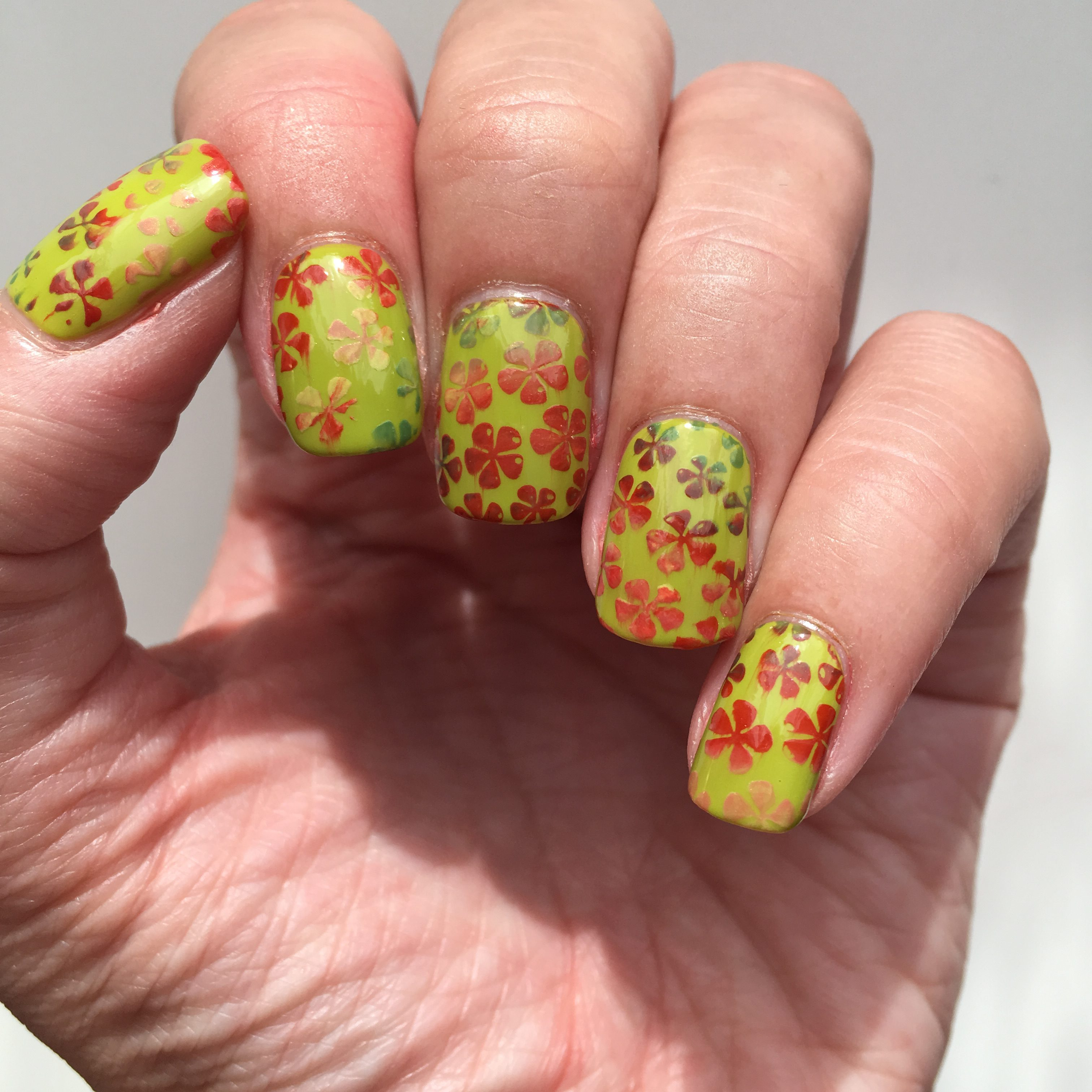 Colourful Fall Leave Nails
