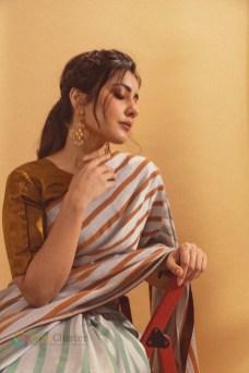 Raashi Khanna_09