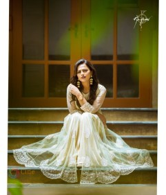 Shraddha Srinath (27)