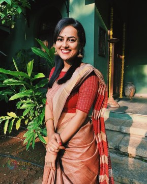 Shraddha Srinath (33)