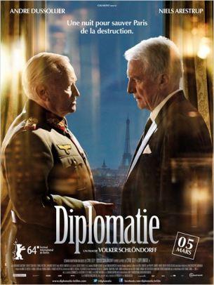 En Août 44, le Général Von Choltitz, Gouverneur du Grand Paris, se prépare, sur ordre d'Hitler, à faire sauter la capitale.  Le consul suédois Nordling, utilisant toutes les armes de la diplomatie, va essayer de convaincre le général de ne pas exécuter l'ordre de destruction.  Film franco-allemand de Volker Schlöndorff, sorti en France le 5 mars 2014, avec André Dussollier, Niels Arestrup, Burghart Klaußner et Robert Stadlober.  LIRE LA CRITIQUE