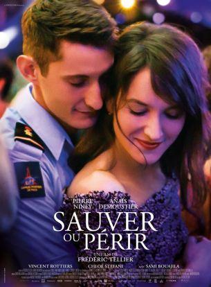 Franck est Sapeur-Pompier de Paris. Il sauve des gens. Il vit dans la caserne avec sa femme qui accouche de jumelles. Il est heureux.  Lors d'une intervention sur un incendie, il se sacrifie pour sauver ses hommes.  A son réveil dans un centre de traitement des Grands Brûlés, il comprend que son visage a fondu dans les flammes. Il va devoir réapprendre à vivre, et accepter d'être sauvé à son tour.  Film français de Frédéric Tellier, sorti en France le 28 novembre 2018 avec Pierre Niney, Anaïs Demoustier et Chloé Stefani.  LIRE LA CRITIQUE