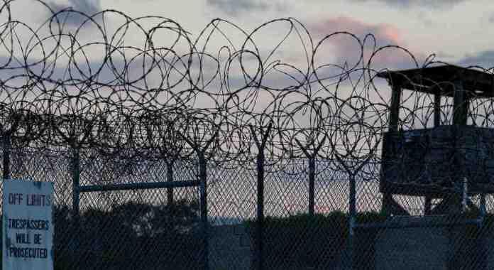 You Don't Like the Truth: 4 giorni a Guantanamo