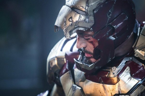 Iron-man-3-distrutto