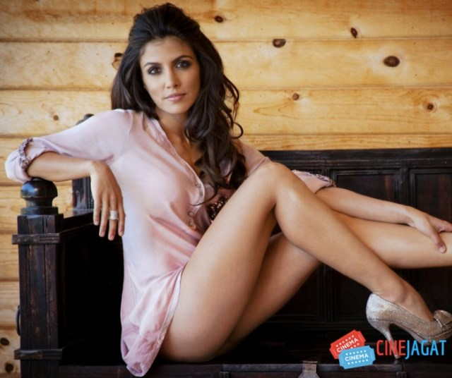 Nazneen Contractor Hot Wallpaper