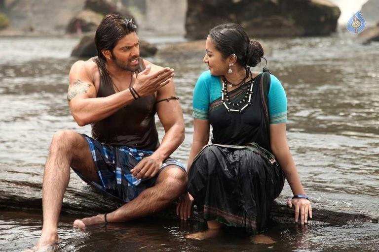 Kadamban Tamil Movie Stills - 25 / 36 photos