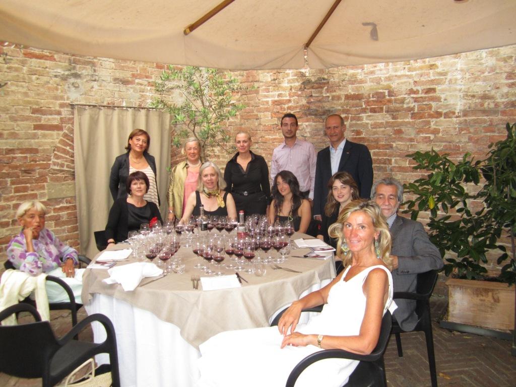 9 Donne per un Brunello