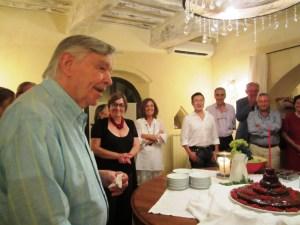 Diego con la torta di compleanno