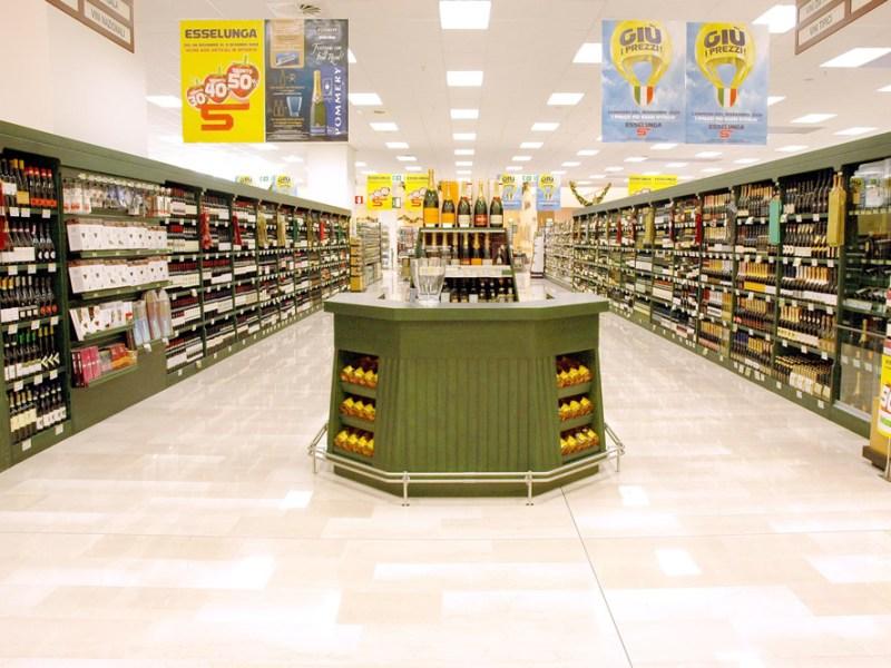 zona vino in supermercato