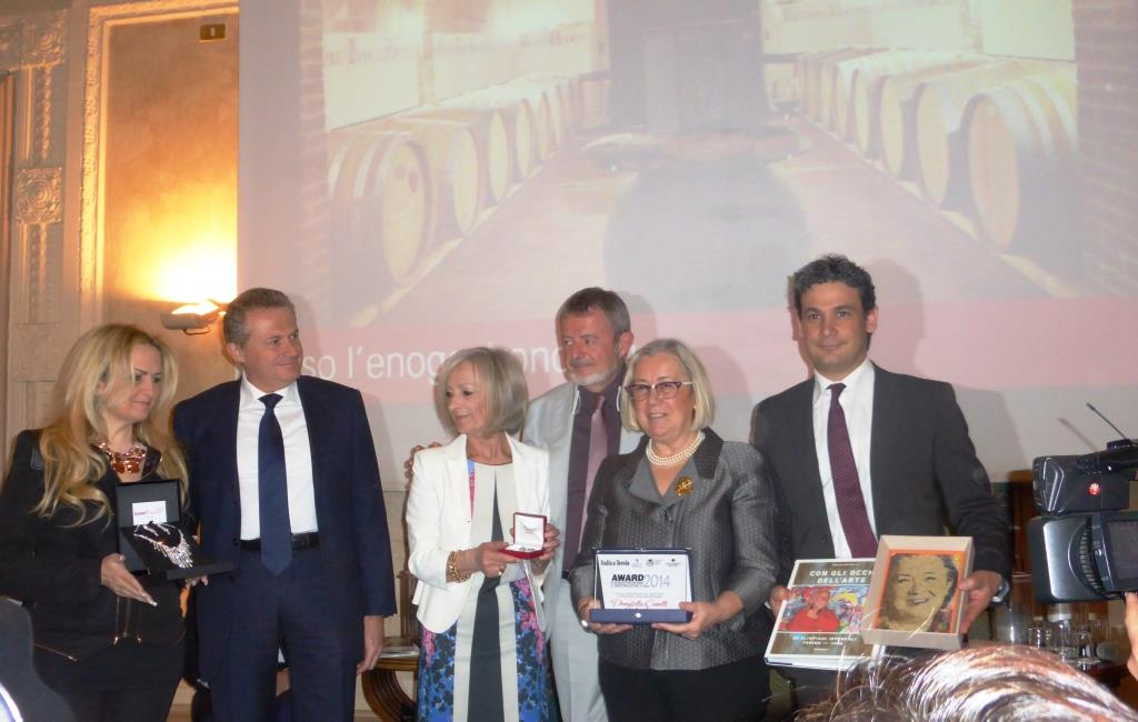 Donatella Cinelli Colombini premio Italia a Tavola per il turismo enogastronomico