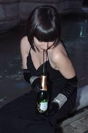 bere vino con la cannuccia