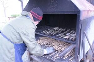 Enrico Agostinelli prepara per la cottura
