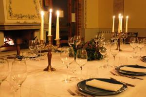 Bicchieri-da-vino-Osteria-di-Donatella-Fattoria-del-Colle-Toscana