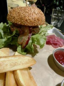 DopolavoroLaFoce-hamburger-di-Chianina