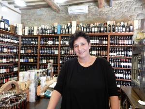 Enoteca-Pierangioli-Montalcino-Stefania