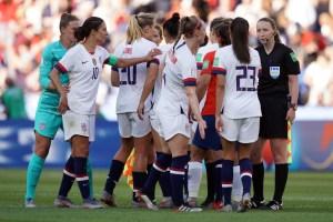 Nazionale-calcio-femminile-USA-dallo-sport-al-cinela-all'economia-MeToo
