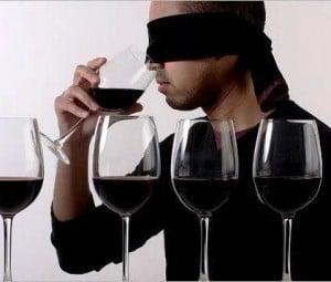 uomo bendato vino