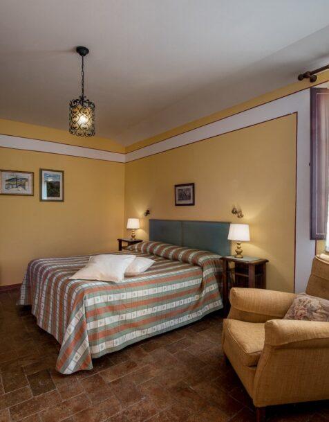 Fattoria del Colle - Farmhouse in Tuscany - Apartment Imbottigliamento