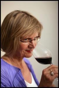 Jancis_Robinson-MW-molto-influente-nel-mondo-del-vino