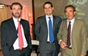 Antonio Galloni (al centro) con Alessandro Regoli