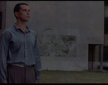 Hombre-Mirando-al-Sudeste-1986-2