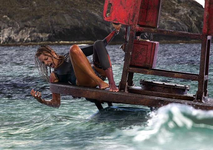 The-Shallows-trailer Blake Lively precisa escapar de tubarão em trailer