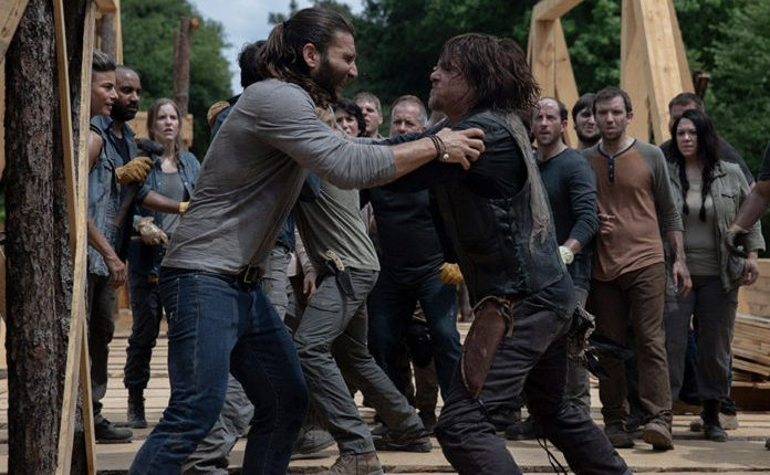 the-walking-dead-s09e02-foto-oficial-01-justin-daryl-696×490