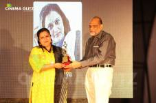 CinemaGlitz-Raindropss-Sadhanai-Pengal-Womens-Day-Awards-Pics-06