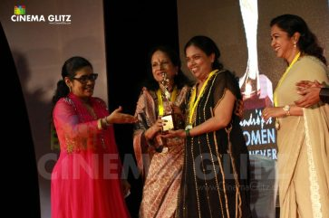 CinemaGlitz-Raindropss-Sadhanai-Pengal-Womens-Day-Awards-Pics-08