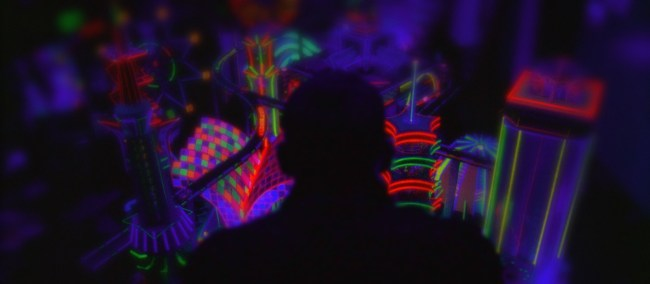 2010_enter_the_void_005