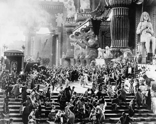 film-intolerance-1916