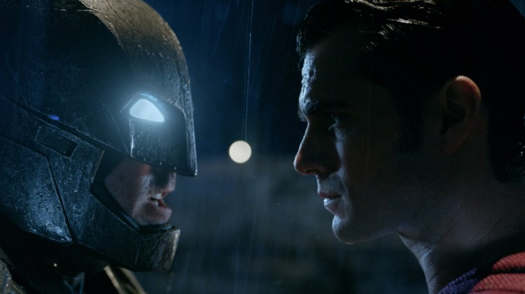 Film Fanatics: BATMAN V SUPERMAN: DAWN OF JUSTICE Video Review