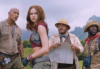 (l to r) Dwayne Johnson, Karen Gillan, Kevin Hart and Jack Black star in Sony Pictures' JUMANJI: WELCOME TO THE JUNGLE