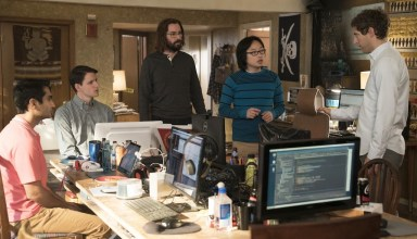 (R-L) Kumail Nanjiani, Zach Woods, Martin Starr, Jimmy O. Yang and Thomas Middleditch star in HBO's SILICON VALLEY