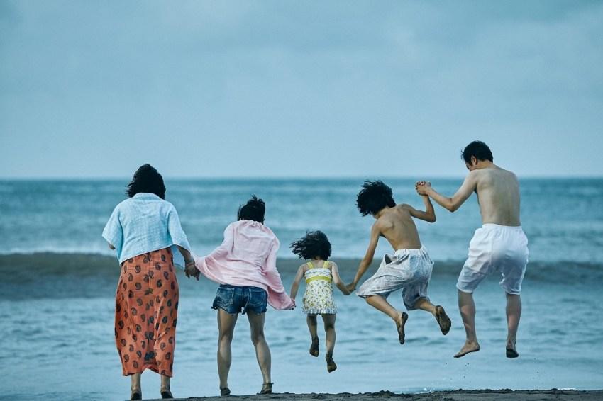 (L-R) Ando Sakura, Matsuoka Mayu, Sasaki Miyu, Jyo Kairi and Lily Franky star in Magnolia Pictures' SHOPLIFTERS