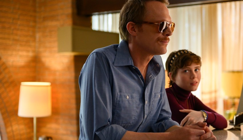 (L-R) Paul Bettany and Sophia Lillis star in Amazon's UNCLE FRANK