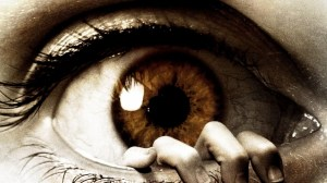 LOcchio-Orrore-Paura-mano-dita-degli-occhi-Ciglia-Alunno-900x1600