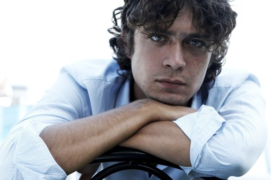 riccardo-scamarcio-in-un-wallpapers-179416